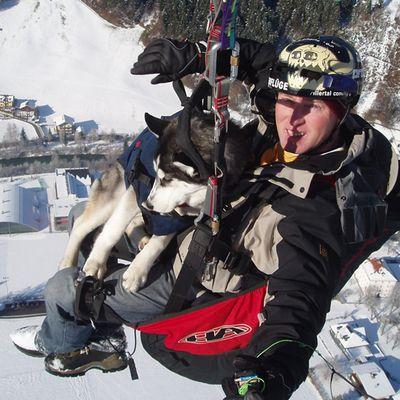 Paragliden mit Hund