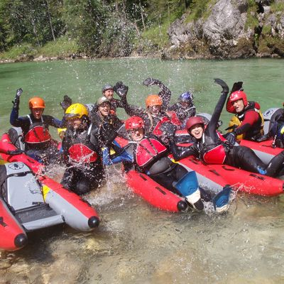 Die Gruppe beim Start zu ihrer Riverbugtour