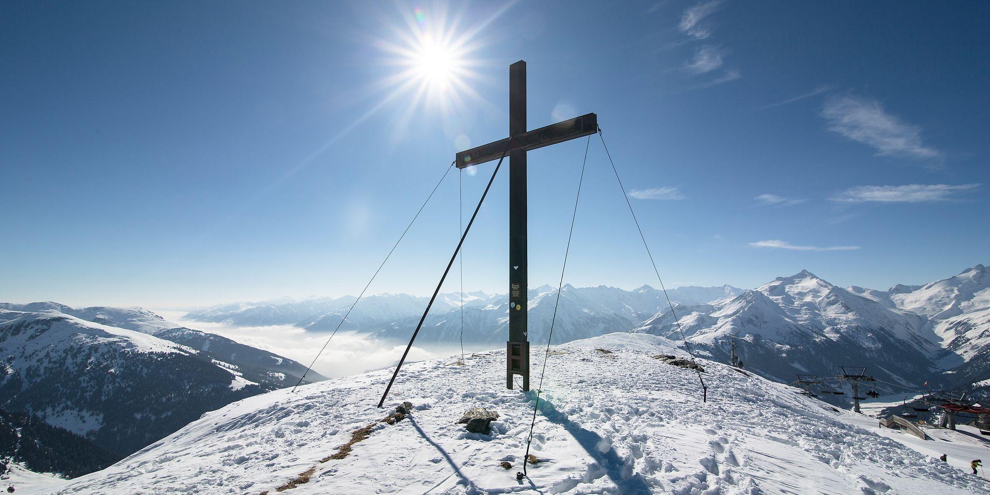 Gipfelkreuz im Zillertal