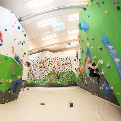 Boulderbereich im Kletterzentrum
