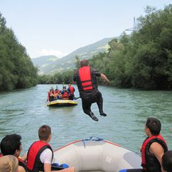 Sprung aus dem Boot in den Ziller